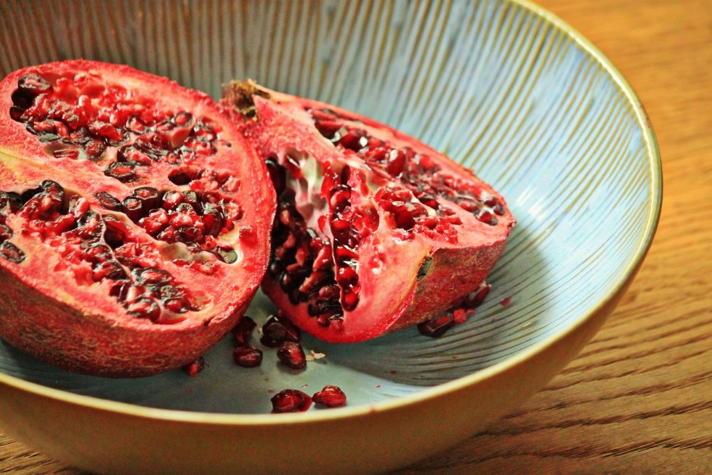Essential Oils Care - Pomegranate Oil for Skin